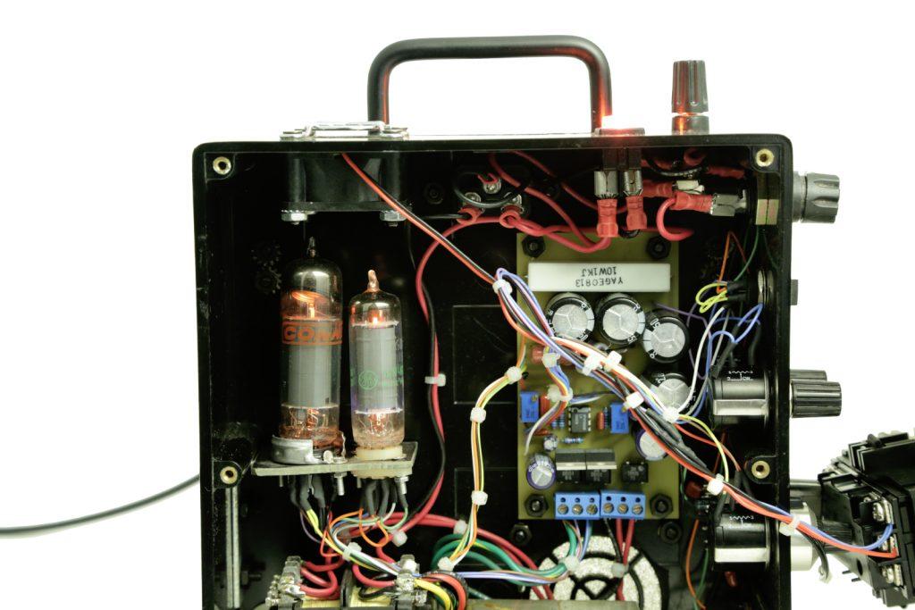 Model B27, V3 vacuum tubes, lit